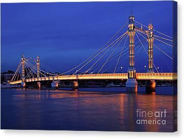 The Prettiest Bridge In Town. Canvas Print by Pete Reynolds