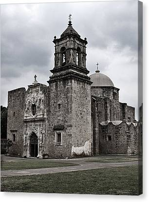 Canvas Print featuring the photograph The Queen Of Missions II by Andy Crawford