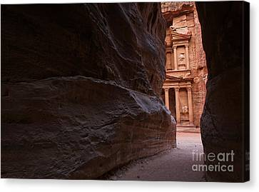 The Siq And Treasury At Petra Canvas Print by Robert Preston