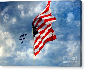 The Star Spangled Banner Yet Waves Canvas Print
