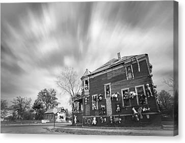 The Stuffed Animal Doll House At The Heidelberg Project - Detroit Michigan - Bw Canvas Print by Gordon Dean II