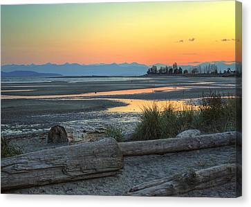 The Tide Is Low Canvas Print by Randy Hall