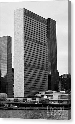 The United Nations Building Un New York Canvas Print by Joe Fox