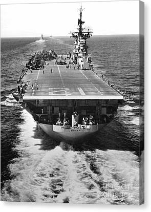 The U.s. Aircraft Carrier Uss Boxer Canvas Print by Stocktrek Images