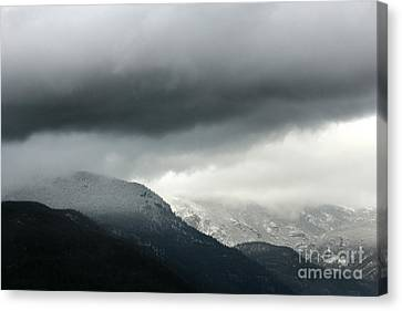 Canvas Print featuring the photograph The Valley by Dana DiPasquale