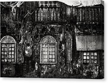 The Wall Of The Old Goan House. Margao. India Canvas Print