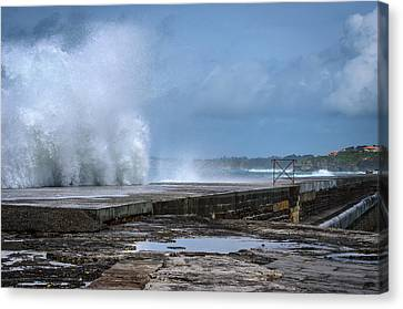 Canvas Print featuring the photograph The Wave by Thierry Bouriat