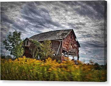 Old Barns Canvas Print - The Weathered Barn by Linda Unger
