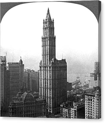 The Woolworth Building In Nyc Canvas Print by Underwood Archives