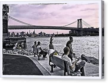 They Gathered At The Williamsburg Bridge - Brooklyn - New York Canvas Print
