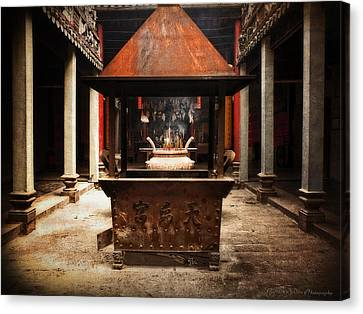 Canvas Print featuring the photograph Thien Hau Temple  by Lucinda Walter