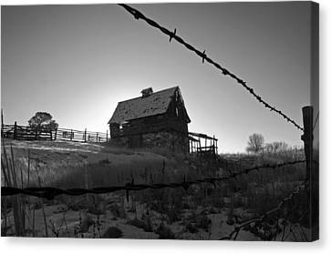 Canvas Print featuring the photograph This Old Barn by Eric Rundle