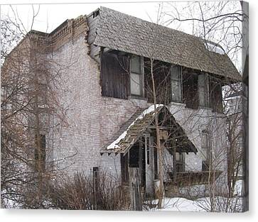Canvas Print featuring the photograph This Old House by Jonathon Hansen