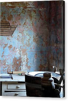 This Old House Canvas Print by Terry Eve Tanner