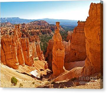 Thor's Hammer At Bryce Canyon Canvas Print by Alex Cassels