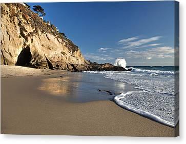 Thousand Steps Beach At Low Tide Canvas Print by Cliff Wassmann