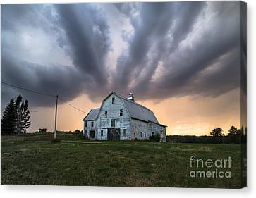 Threatening Storm Canvas Print by Benjamin Williamson