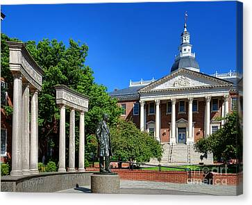 Thurgood Marshall Memorial And Maryland State House Canvas Print by Olivier Le Queinec