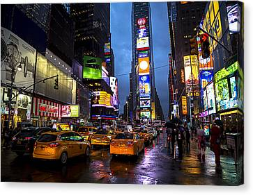 Times Square In The Rain Canvas Print by Garry Gay