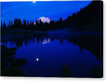 Tipoe Lake And Mount Rainer Canvas Print by Jeff Swan