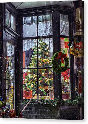Canvas Print featuring the photograph Tis The Season by David Hufstader
