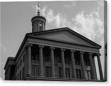 Canvas Print featuring the photograph Tn State Capitol by Robert Hebert