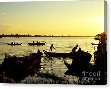 Tonle Sap Sunrise 05 Canvas Print by Rick Piper Photography