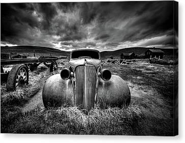 Rusted Cars Canvas Print - Too Old To Drive by Carsten Schlipf