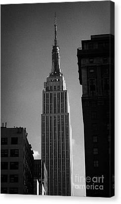 Top Of Empire State Building Manhattan New York City Canvas Print by Joe Fox