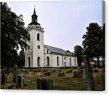 Torstuna Kyrka Church Canvas Print by Leif Sohlman