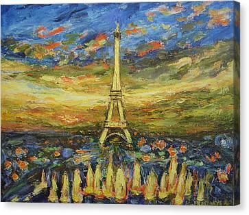 Tour Eiffel Avec La Fontaine. Canvas Print by Agnieszka Praxmayer