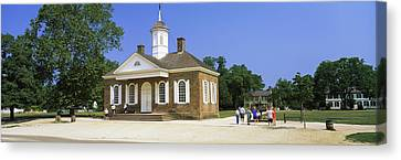 Williamsburg Canvas Print - Tourists Near A Courthouse, Duke by Panoramic Images
