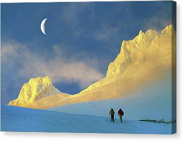 Toward Frozen Mountain Canvas Print