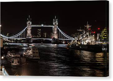 Tower Bridge London England Canvas Print by John Hastings