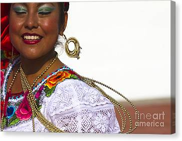 Traditional Ethnic Dancers In Chiapas Mexico Canvas Print by David Smith