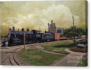 Train - Engine Canvas Print by Liane Wright