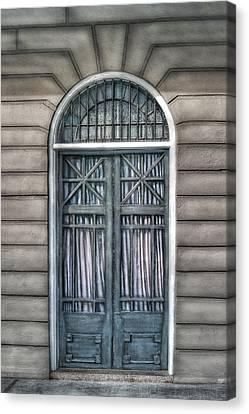 Trimestre De Porte Fracasse  Canvas Print by Brenda Bryant