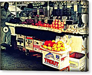 Canvas Print featuring the photograph Vintage Outdoor Fruit And Vegetable Stand - Markets Of New York City by Miriam Danar