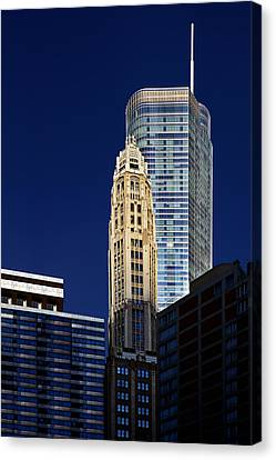 Trump International Hotel And Tower Chicago Canvas Print by Christine Till