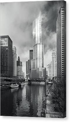 Canvas Print featuring the photograph Trump Tower In Chicago by Steven Sparks