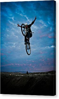 Canvas Print featuring the photograph Tuck No Hander by Joel Loftus
