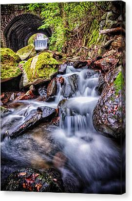 Tunnel Of Water Canvas Print by John Swartz