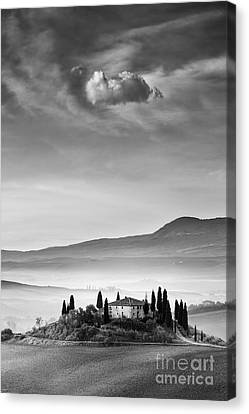 Podere Belvedere 2 Canvas Print by Rod McLean