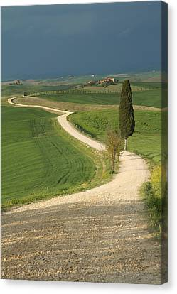 Tuscan Landscape Before The Storm. Canvas Print by Jaroslav Frank