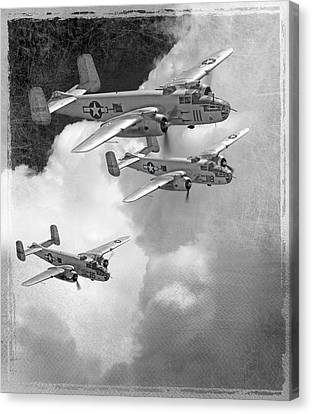 Tuskegee Airman...616th Bombardment Group Canvas Print by Larry McManus