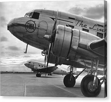 Air Travel Canvas Print - Twa Dc-3b by Underwood Archives