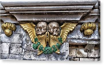 Twin Winged Skull With Laurel Detail - Southwark Cathedral - London - England Canvas Print