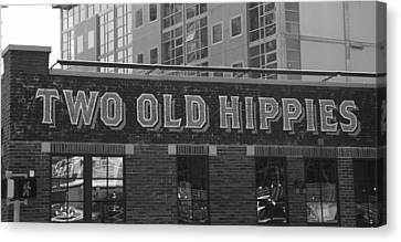 Two Old Hippies In Nashville Canvas Print by Dan Sproul