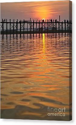 U Bein Bridge In Mandalay Canvas Print by Juergen Ritterbach