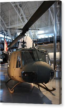 Udvar-hazy Center - Smithsonian National Air And Space Museum Annex - 121223 Canvas Print by DC Photographer